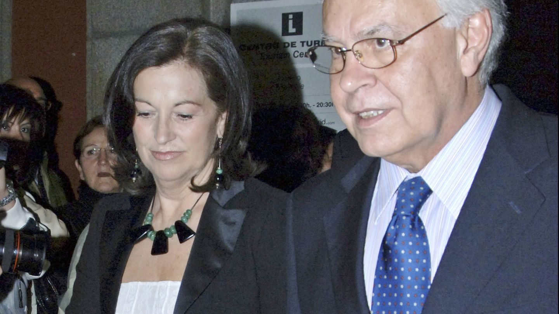 Felipe González y Carmen Romero en una de sus últimas imágenes juntos. (Gtres)