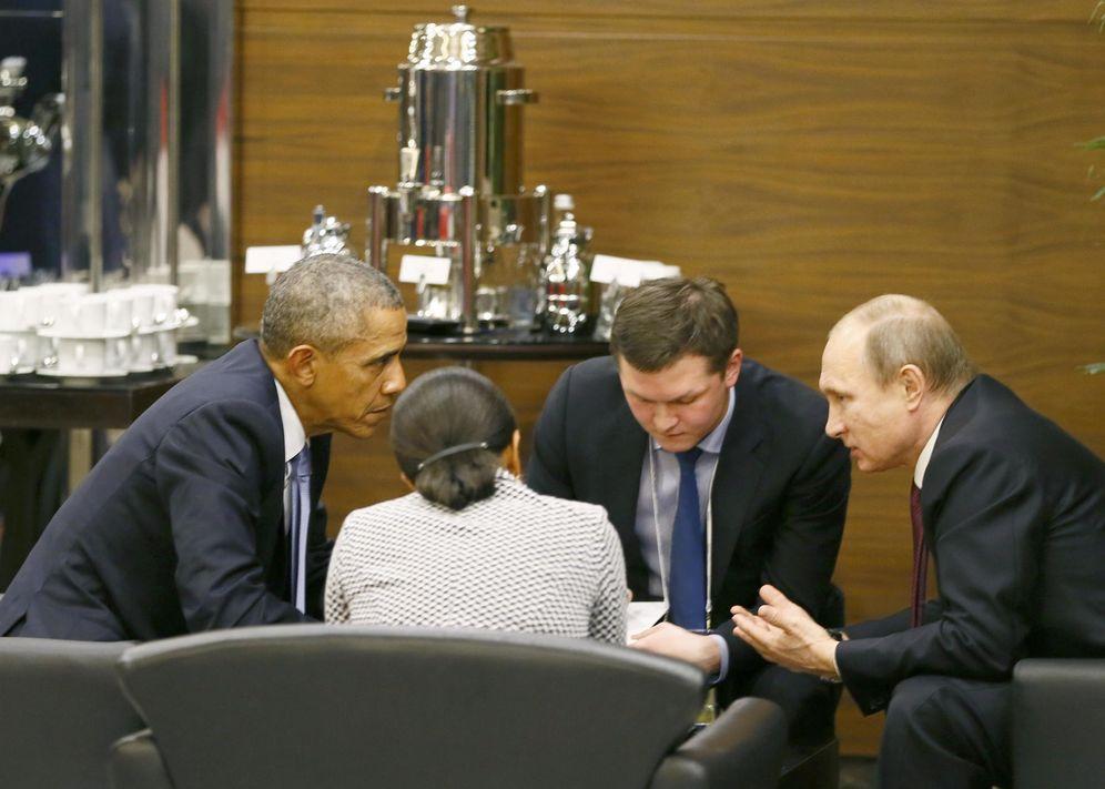 Foto: El presidente de EEUU, Barack Obama, habla con su homólogo ruso, Vladimir Putin, durante la cumbre del G-20 en Antalya, Turquía. (Reuters)