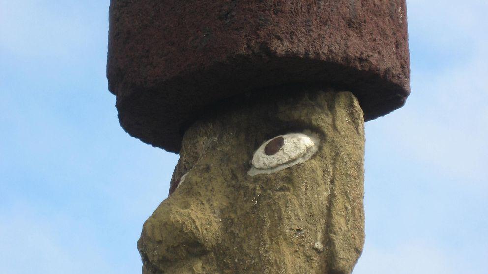Descubren el misterio que esconden los 'gorros' de los moais de la isla de Pascua