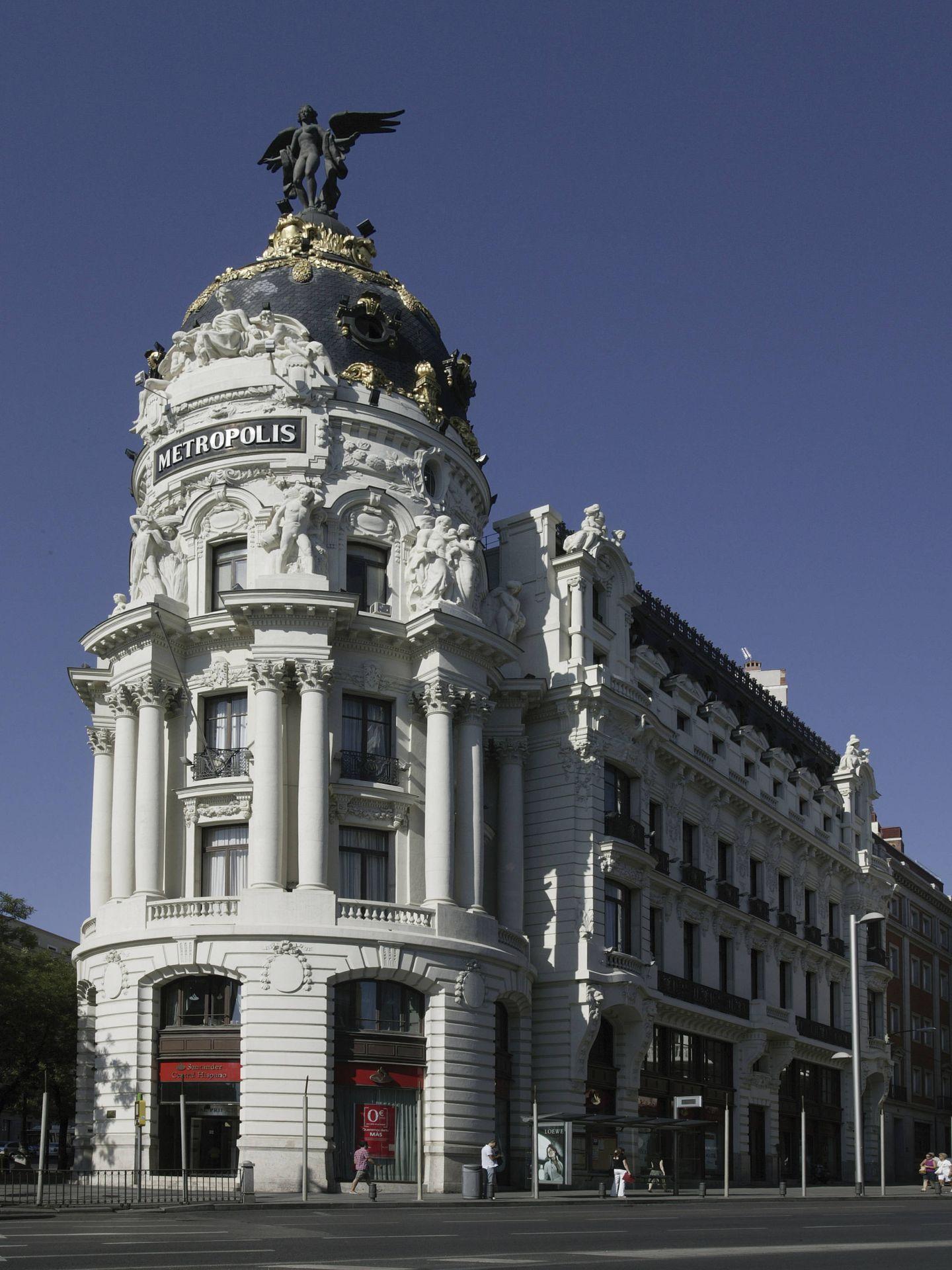 El edificio Metrópolis con su Victoria alada. (Foto: COAM)