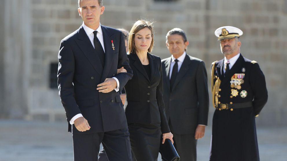 La infanta Cristina les roba el protagonismo a los Reyes en el funeral del infante Carlos