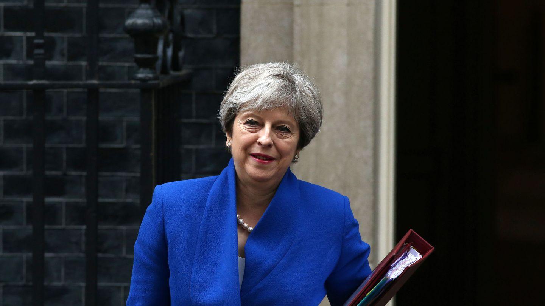 Theresa May, a la salida de su domicilio en Downing Street. (Reuters)