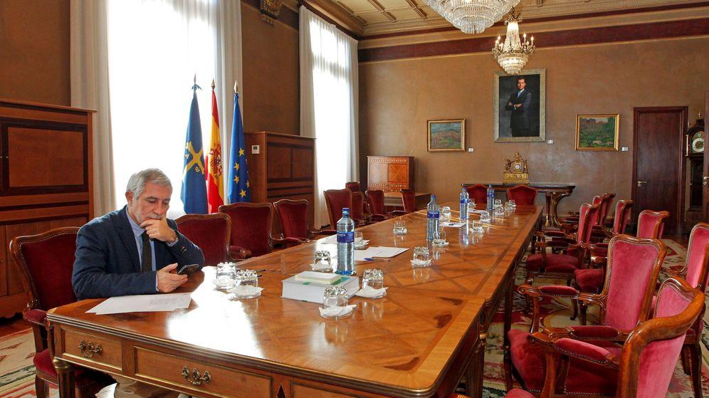 Foto: l portavoz de IU en el parlamento asturiano, Gaspar Llamazares. (EFE)