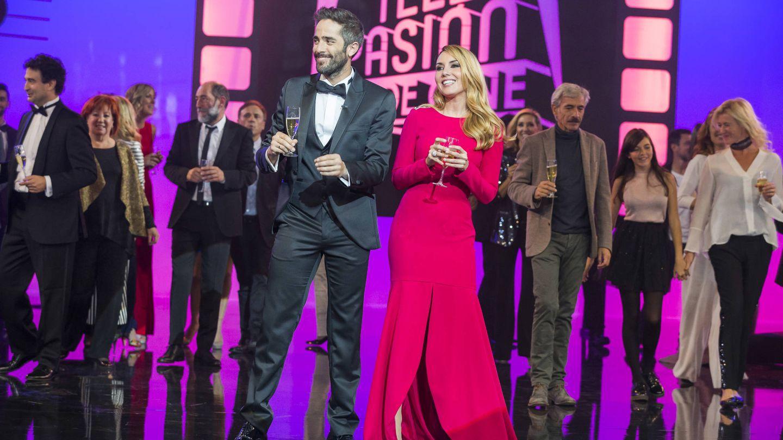 Roberto Leal y Berta Collado, presentadores de 'Telepasión 2016'. (RTVE)