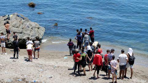 Las ONG ven ilegal la repatriación de los menores en Ceuta y la Abogacía exige su paralización