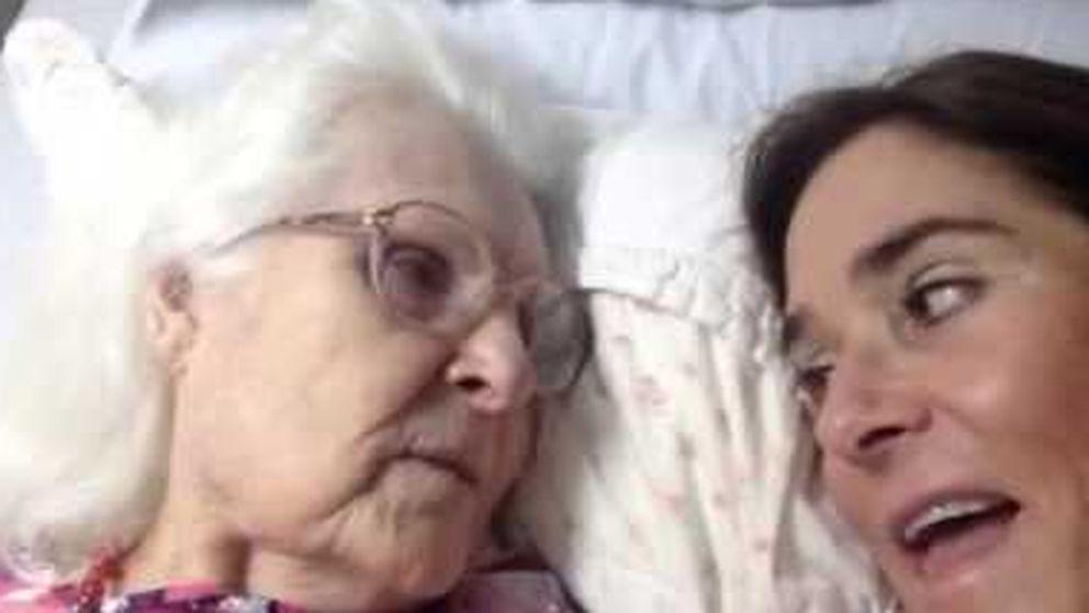 Una anciana con alzhéimer reconoce a su hija