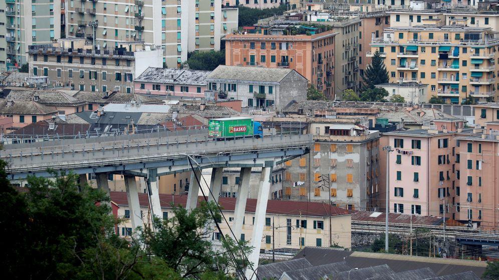 Foto: El colapsado puente de Morandi en Génova (Italia). (Reuters)