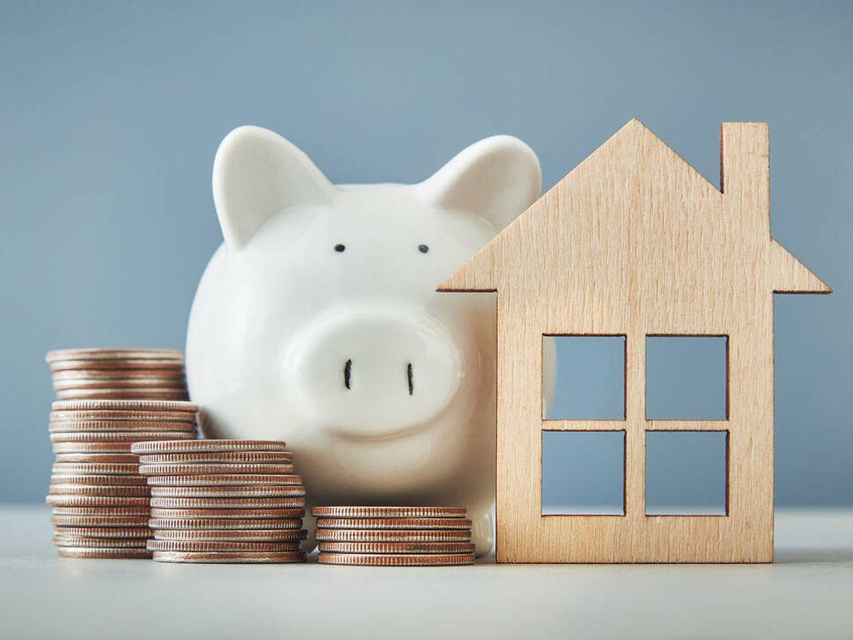Foto: El euríbor sigue en mínimos y vuelve a rebajar las hipotecas: hasta 117 euros al año. (iStock)