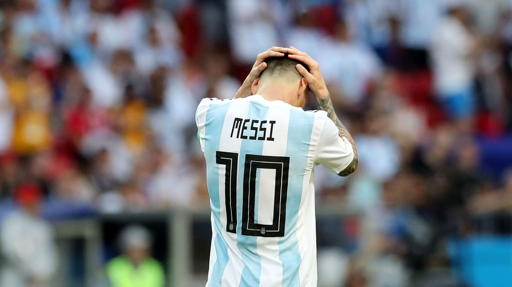 Foto: Leo Messi se lamenta tras caer eliminado ante Francia en el Mundial. (Reuters)