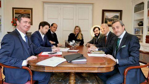El hijo de Tebas ficha por la universidad de políticos de Le Pen y de los estrategas de Vox