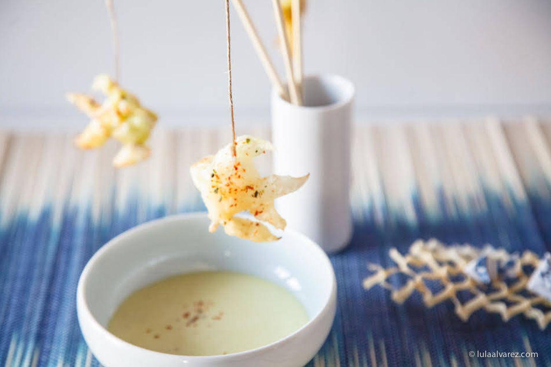 Foto: Tempura de puerros en forma de pececitos servidos en cañas de pescar. Delicioso