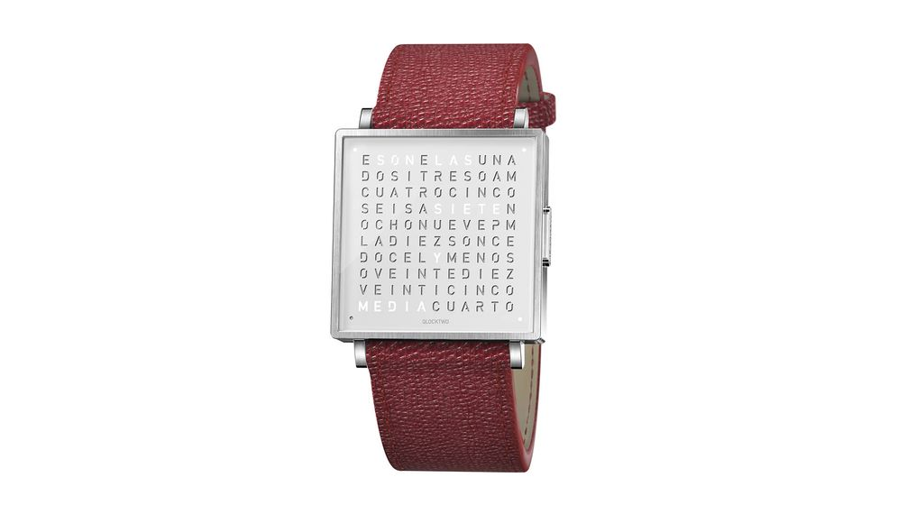 Foto: En la matriz del Qlocktwo W35, formada por 110 letras dispuestas de forma aparentemente aleatoria, se leen e indican todas las horas del día.