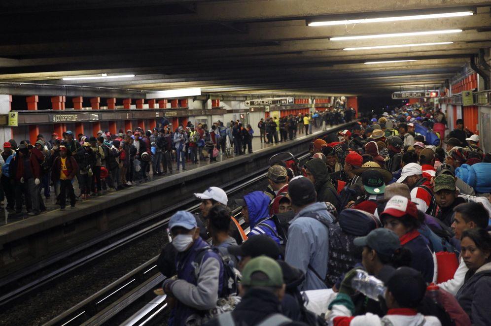 Foto: Migrantes de la caravana se preparan para salir de México DF hacia EEUU. (EFE)