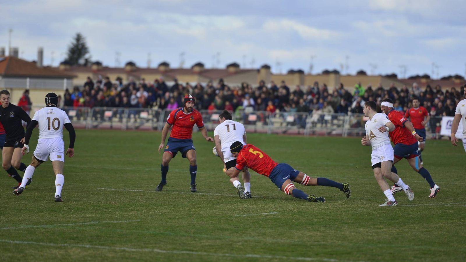 Foto: Más de 7.000 espectadores presenciaron el partido en Medina del Campo (Foto: Federación Española de Rugby)