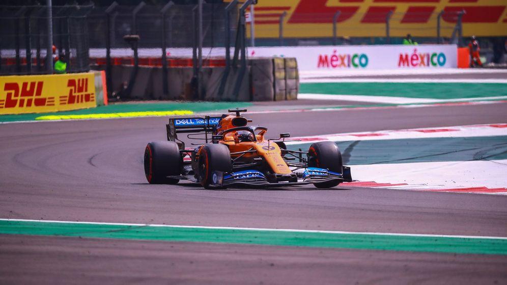 Foto: Se trató solo de un relevo, pero suficiente para que Carlos Sainz y McLaren vivieran la peor carrera de 2019 (EFE))