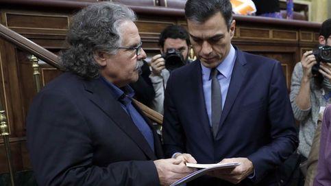 Tardà le regala un libro a Sánchez sobre la guerra de Bosnia... con dedicatoria incluida