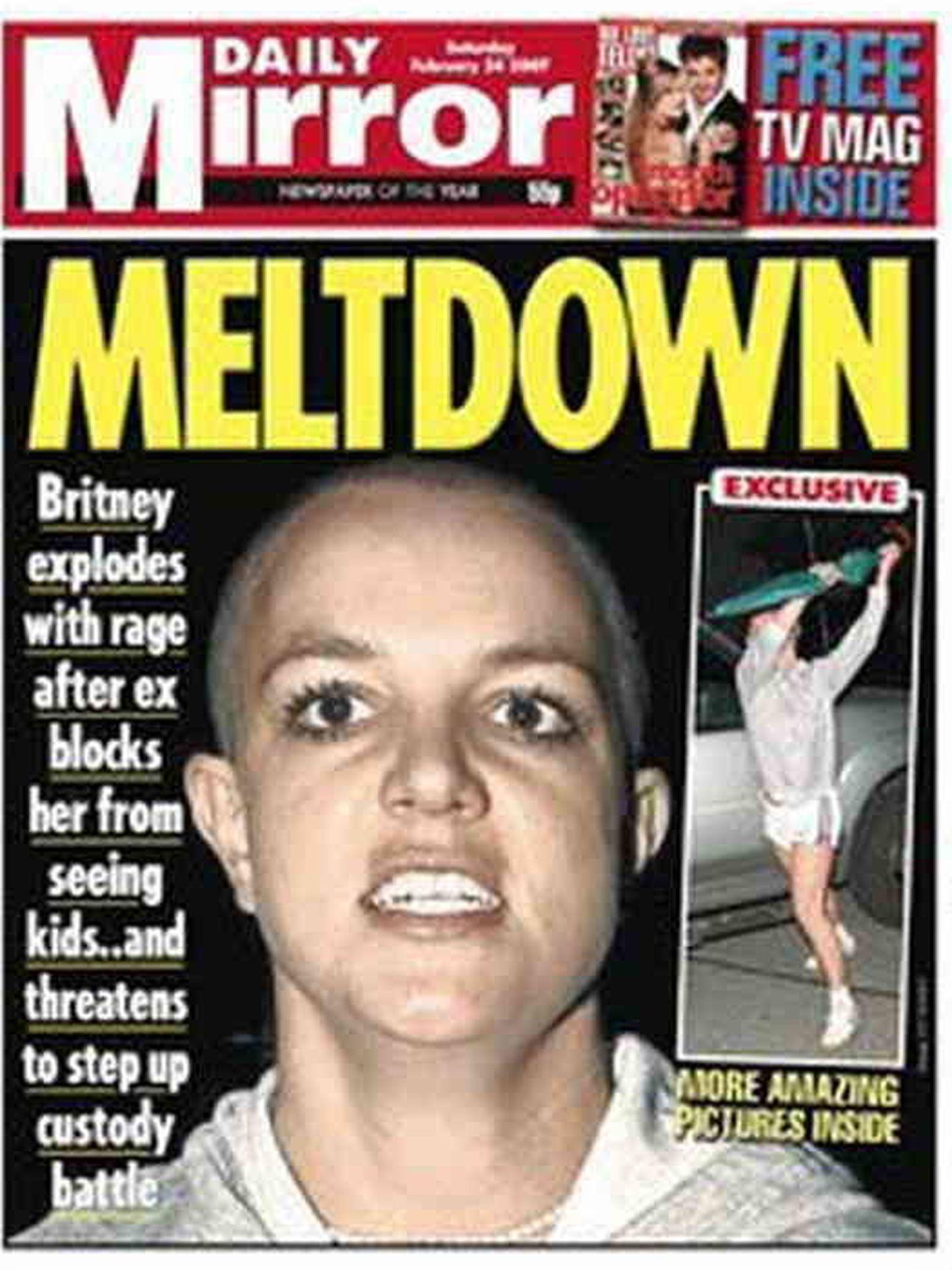 Britney Spears con el cabello rapado en a portada del Daily Mirror en 2007. (Daily Mirror)
