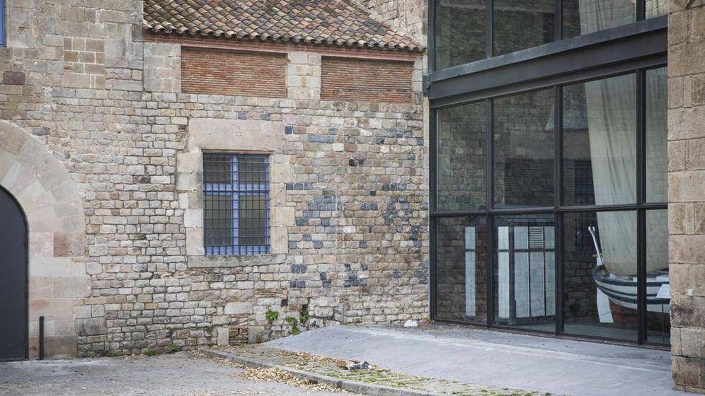 Foto: Zona en Drassanes en la puerta del museo marítimo donde habría ocurrido la agresión. (EFE)