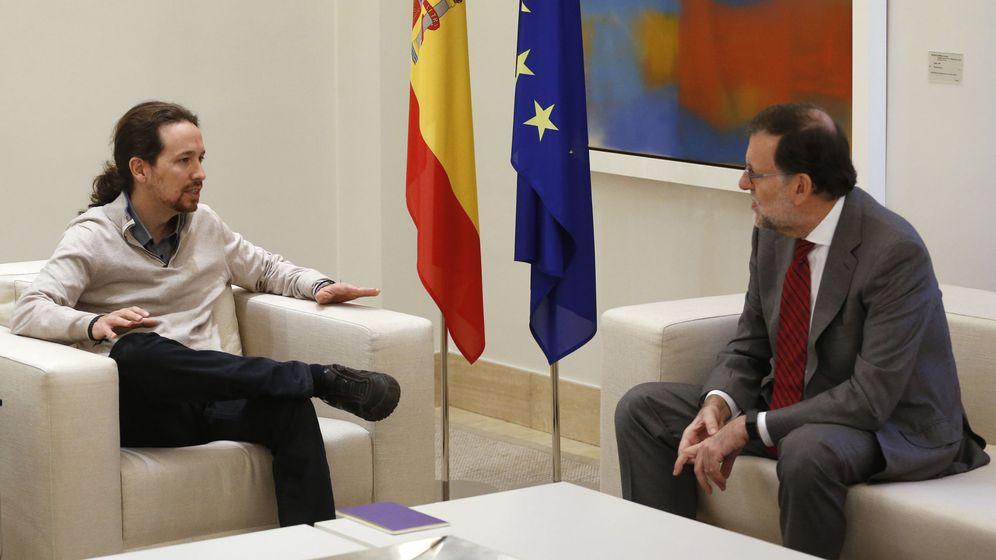 Foto: Pablo Iglesias y Mariano Rajoy en Moncloa en 2015. (EFE)