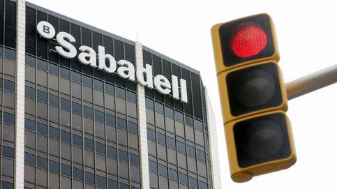 Sabadell plantea la salida de 1.900 empleados en España, un 13% de la plantilla