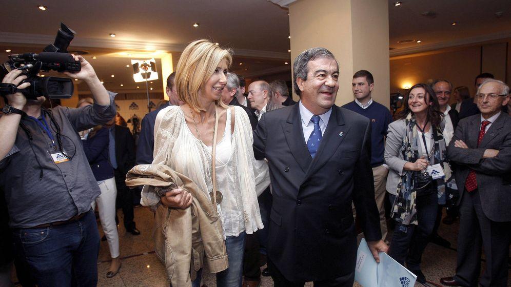 Foto: Álvarez Cascos y María Porto. (EFE)