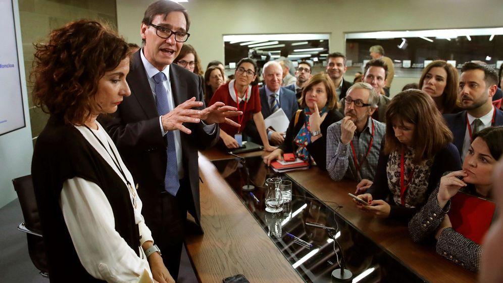 Foto: El ministro de Sanidad, Salvador Illa y la ministra de Hacienda, María Jesús Montero, durante la rueda de prensa posterior al Consejo de Ministros. (EFE)