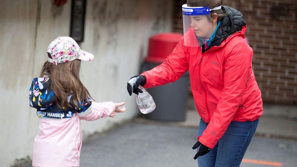 Foto: Una estudiante, en un colegio de Quebec. (Reuters)
