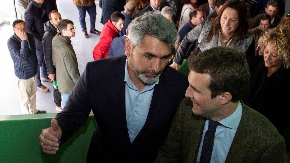 Foto: El diputado del PP por Huelva, Juan José Cortes, con Pablo Casado. (EFE)