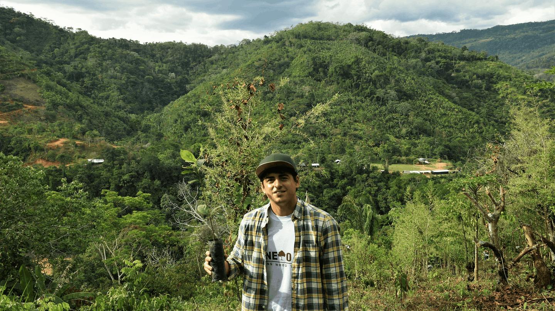 Carlos Íñiguez, en el viaje de One Oak al Amazonas.