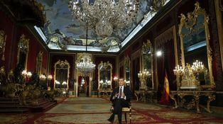 Una lección del Rey a los políticos: 'manca finezza' y falta grandeza