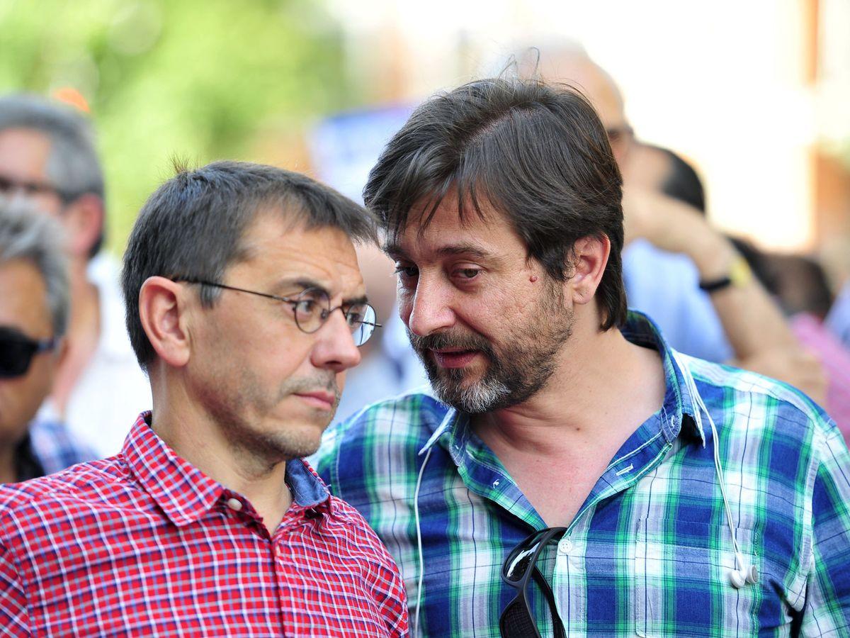 Foto: Rafael Mayoral con Juan Carlos Monedero. (EFE)