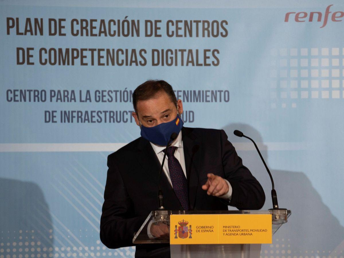 Foto: Ábalos, en la presentación del plan de deslocalización de Renfe en Teruel. (EFE)