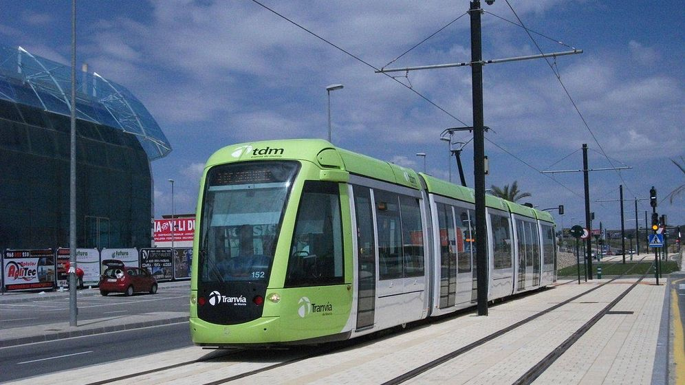 Foto: Tranvía de Murcia (Wikipedia / Angelvilu)