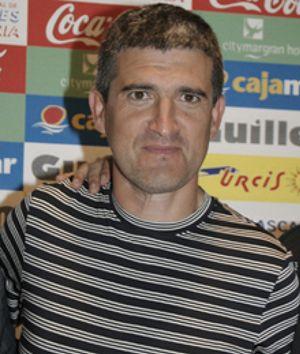 Roberto Olabe sustituye a José Luis Oltra como técnico de la UD Almería