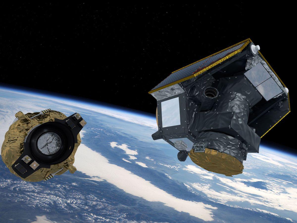 Foto: Cheops, a la derecha, separándose de la nave que lo ha puesto en órbita. Foto: EFE EPA ATG medialab ESA