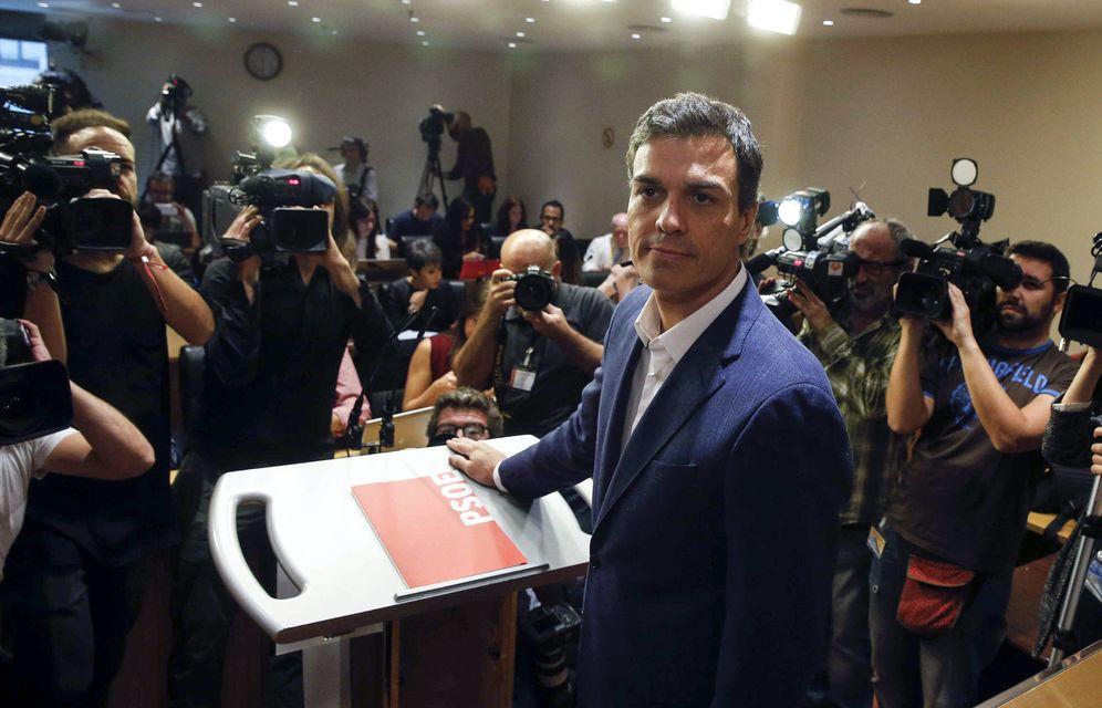 Foto: Pedro Sánchez, durante su última rueda de prensa como diputado, el pasado 29 de octubre en el Congreso. (EFE)