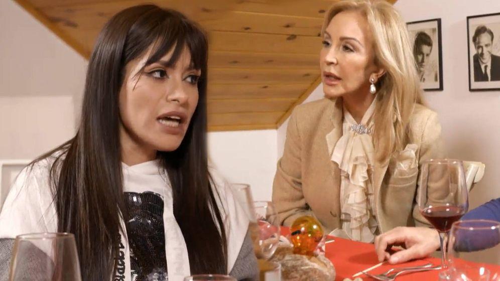 Foto: Miriam Saavedra y Carmen Lomana, en 'Ven a cenar conmigo: gourmet edition'. (Cuatro)