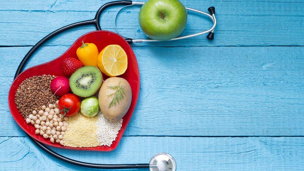 Foto: Frutas y frutos secos son fundamentales para proteger el corazón. (iStock )
