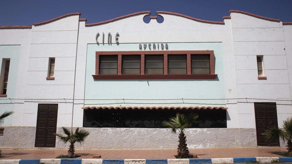 Foto: Un antiguo cine español en Sidi Ifni. (EFE)
