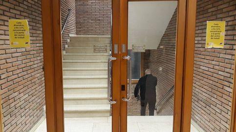 La presión de los lazos sigue dentro de los edificios públicos... a la espera de la sentencia