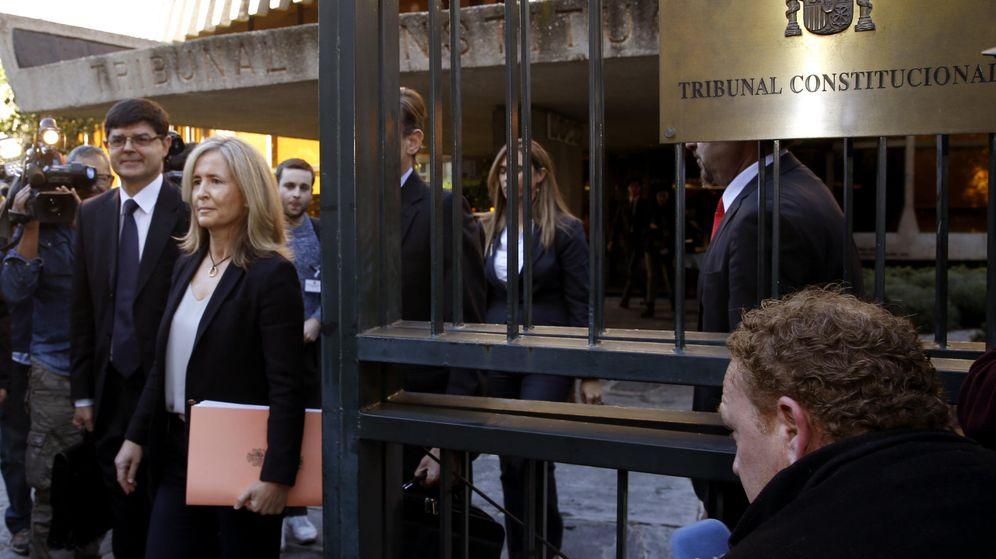 Foto: La Abogada General del Estado, Marta Silva de Lapuerta, a la salida del Tribunal Constitucional