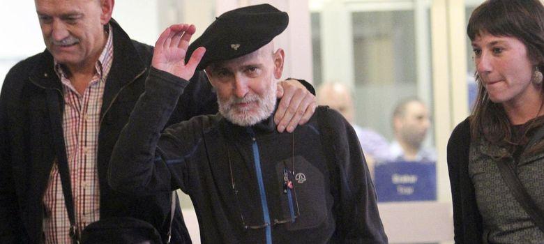 Foto: Bolinaga a su salida del hospital (EFE)