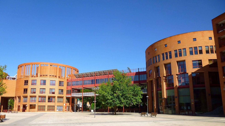 El Ayuntamiento y el Centro Cultural de Coslada. (CC/Zarateman)
