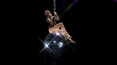 Miley Cyrus, Lady Gaga y sus peculiares looks de los Premios MTV VMA