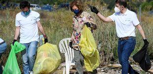 Post de La Reina Sofía se une, una vez más, a la recogida manual de basura