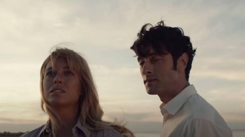 Blanca y Javier, en 'El verano que vivimos'. (Atresmedia)