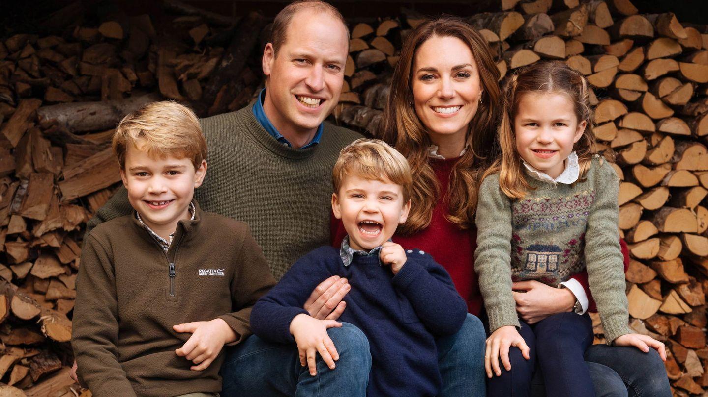Los Duques de Cambridge junto a sus hijos. (Kensington Palace)