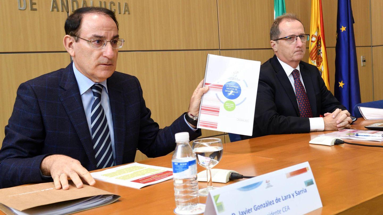 De Lara y Fernández Palacios, en la presentación del documento. (CEA)