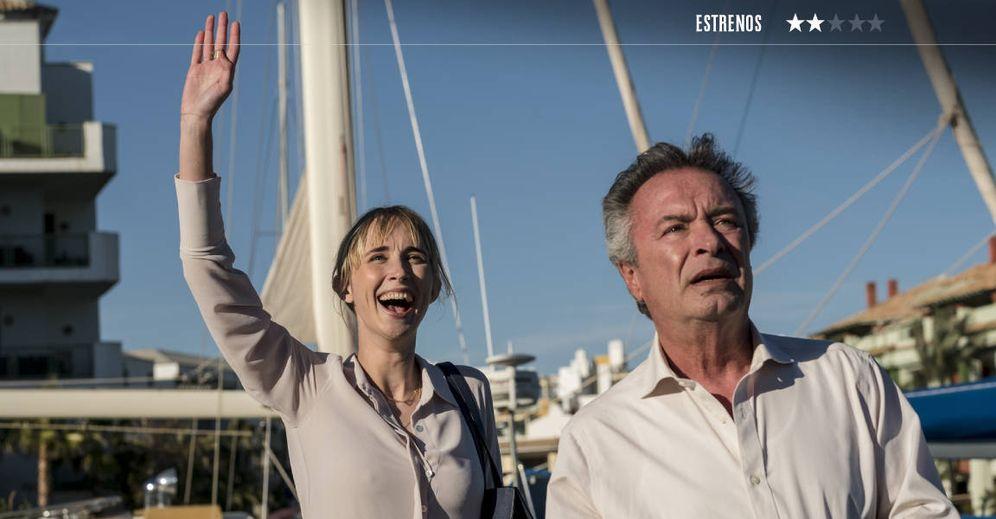Foto: Ingrid García Jonsson y Óscar Martínez en 'Yo, mi mujer y mi mujer muerta'. (ConUnPack)