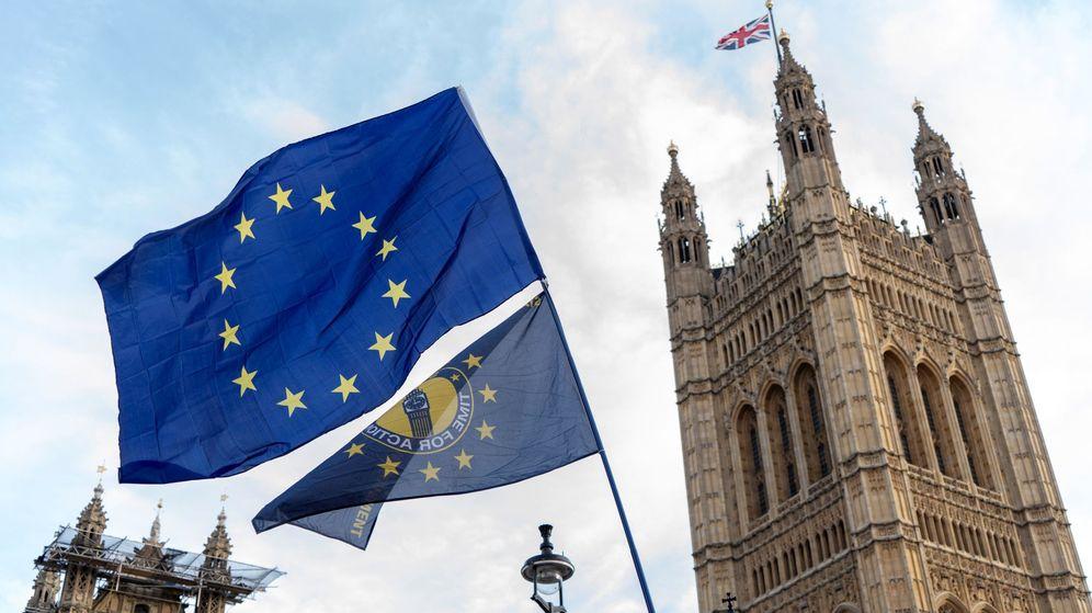 Foto: Una protesta proeurope ante el Parlamento británico (EFE)